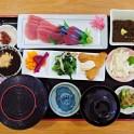 食事(刺身定食)